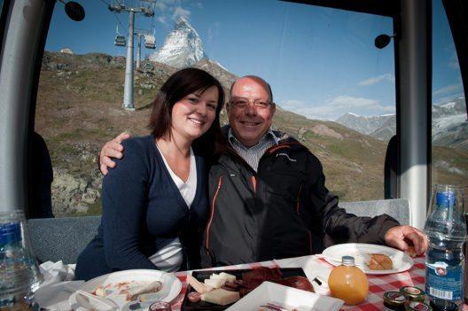 Swiss Food Festival 2016 - Gondelfrühstück, eine Gondelfahrt mit Blick aufs Matterhorn. (Bild: © Marc Kronig)