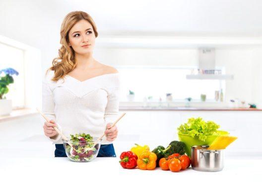 Auch ohne tierische Lebensmittel kann der menschliche Organismus leistungsfähig sein. (Bild: Maksim Shmeljov – Shutterstock.com)