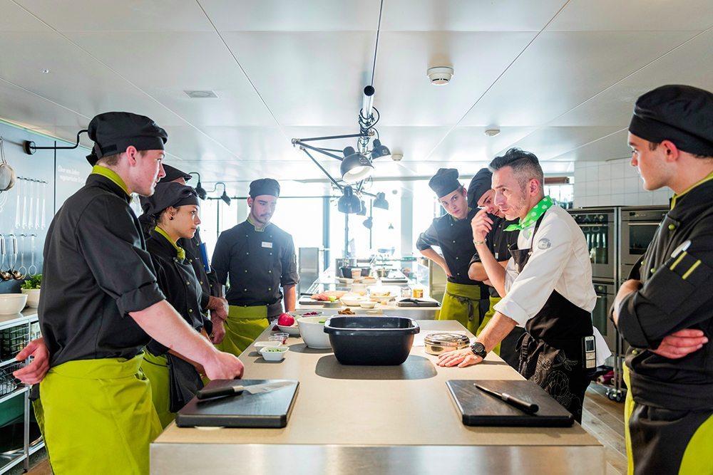 Ausbildung bei sv schweiz auch mit vegetarischer for Innendekoration ausbildung schweiz