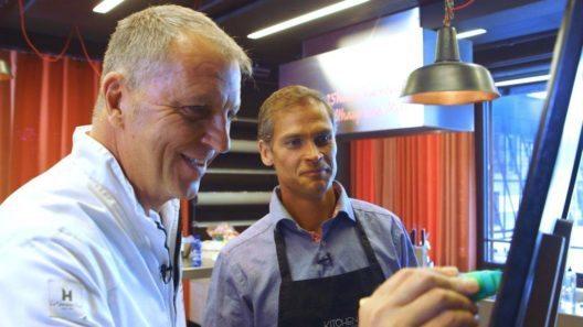 Renzo Blumenthal und Torsten Götz bei der Menü-Zusammenstellung (Bild: SevenOne Media (Schweiz) AG)
