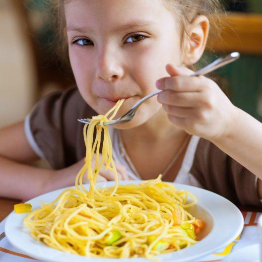 Menu und More AG in Zürich richtet sich ganz auf Kinderverpflegung aus. (Bild: © BestPhotoStudio - shutterstock.com)