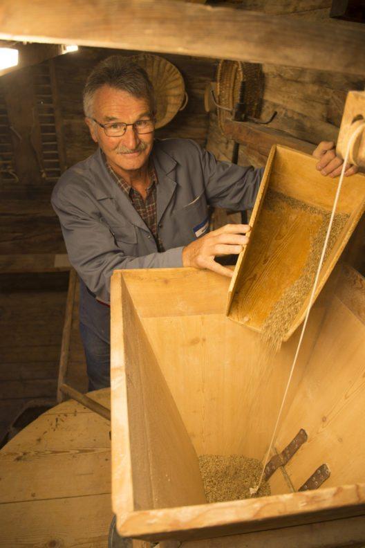 Die Mühle aus dem 19. Jahrhundert stand mehrere Jahrzehnte leer, bevor sich die Genossenschaft Grafschaft Kultur ihrer annahm.
