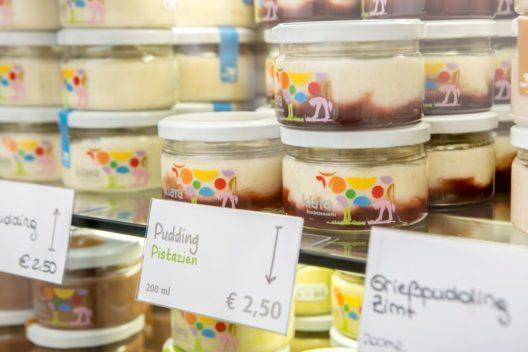 Frische Milchprodukte gibt es bei Klara Fruchtsennerei. (Bild: Marion Carniel)