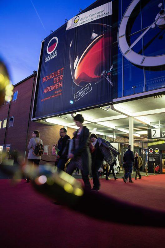 Basler Weinmesse in der Rundhofhalle, Messe Basel. (Bild: © obs/Basler Weinmesse / MCH Group/Sara Barth)