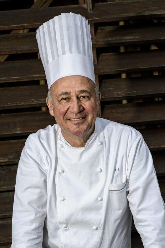 Meisterkoch Marc Haeberlin hat erlesene Speisen auf der Frontcooking-Station Blanco Cook zubereitet. (Bild © Gianni Villa)