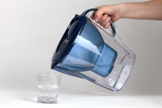 Ein Wasserfilter hat viele Vorteile. (Bild: Tomislav Pinter - shutterstock.com)
