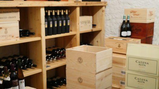 Schätze im Weinkeller des Waldgasthofs Buchenhain (Bild: © langemann.de)