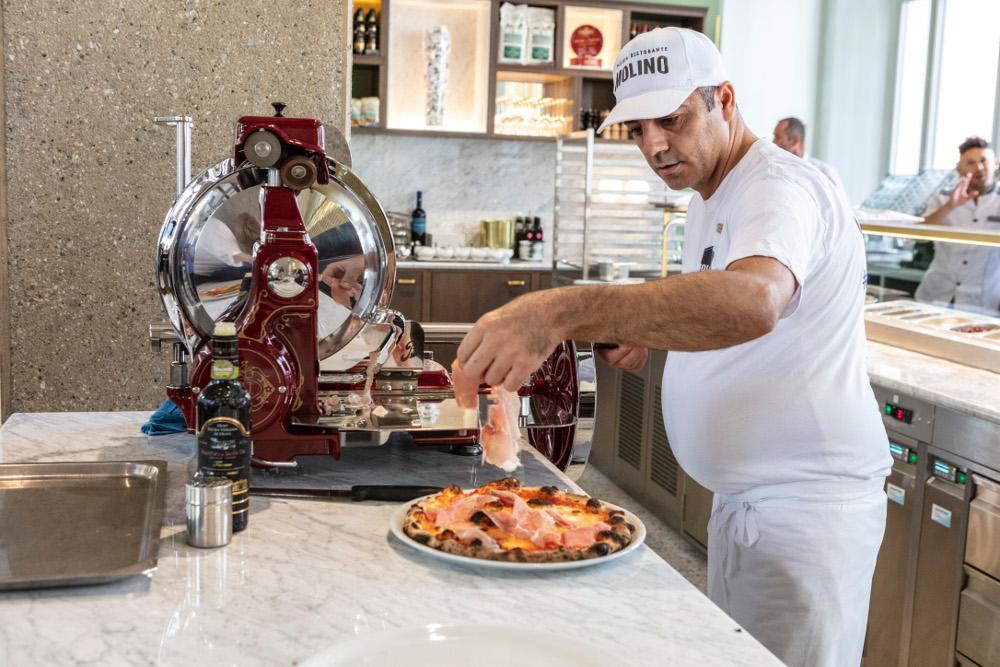Credenza Per Pizzeria : Pizzeria ristorante molino neu in der cupola mitten
