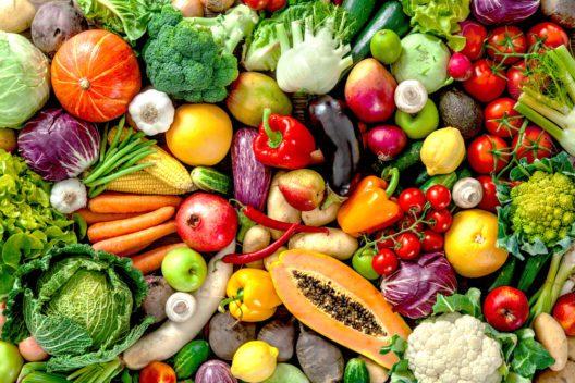 Gesund bleiben mit viel Gemüse (Bild: Alexander Raths - shutterstock.com)