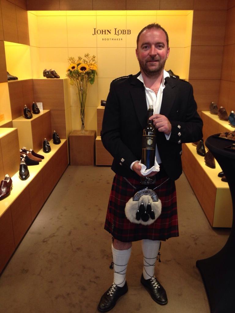 Der Schotte Jamie S. McCulloch präsentiert den Black Magic.