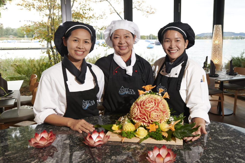 Frauenteam im Deltaverde Thai Cuisine (v.l. Araya Karnvittayee, Pairat Sorncharoenchaisakul, Orathai Amphaiphinyokul) (Bild: © Romel Janeski)